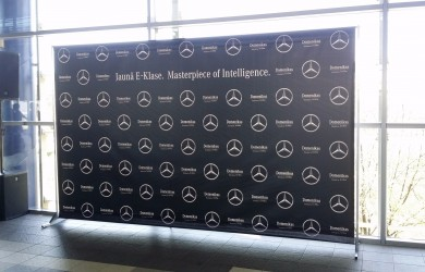 Press Wall Mercedes 4x2.4m