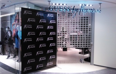 Galereja Centrs_Guess by Marciano_Press Wall 1.6x2.4m (2)