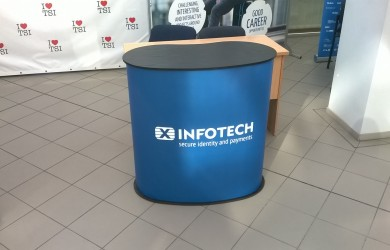 Pop Up galdiņs XInfotech (1)
