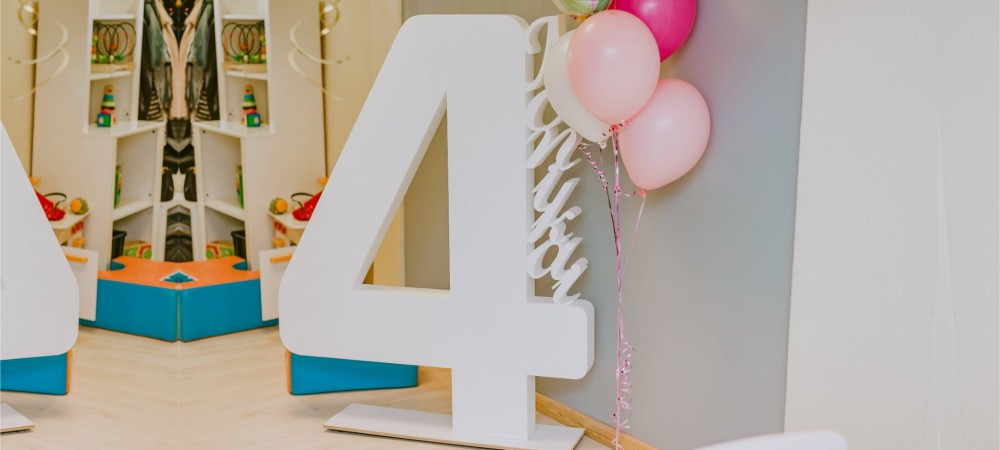 Arrange your child and yourself a holiday - order large letters or numbers for photo shoot